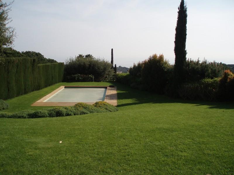 tarima_exterior_piscina_jardin (2)