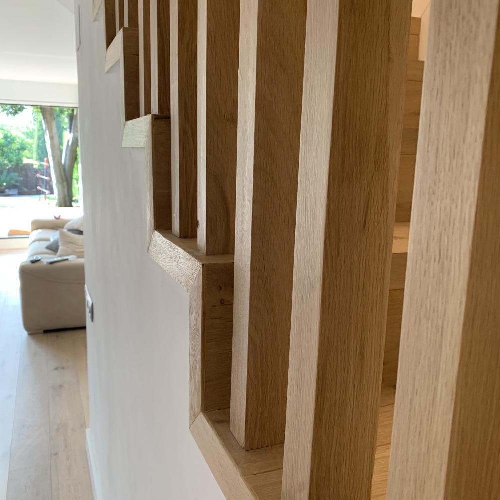 duplex_escalera_madera_interior_18