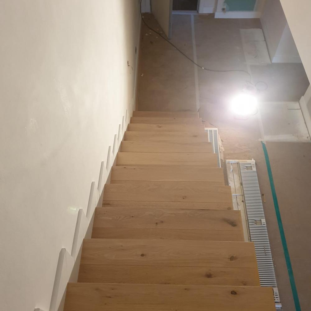 duplex_escalera_madera_interior_2