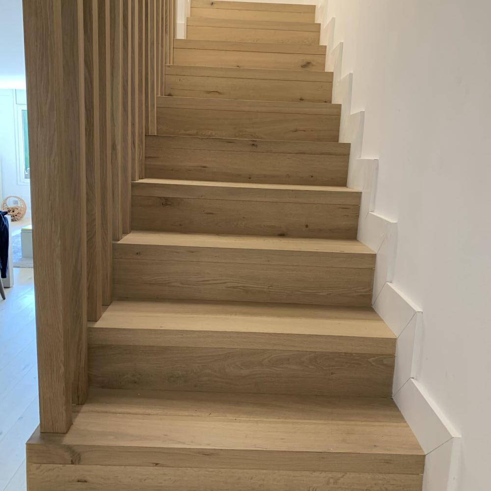 duplex_escalera_madera_interior_20