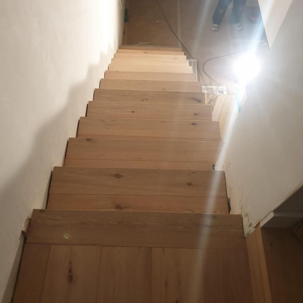 duplex_escalera_madera_interior_5