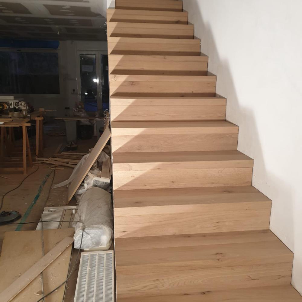 duplex_escalera_madera_interior_8
